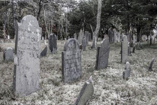 CemeteryB_BlackWhite_11