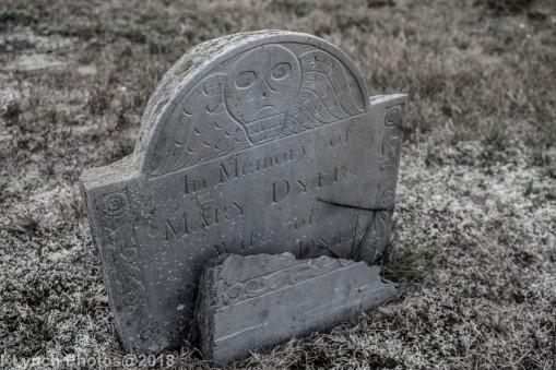 CemeteryE_BlackWhite_11