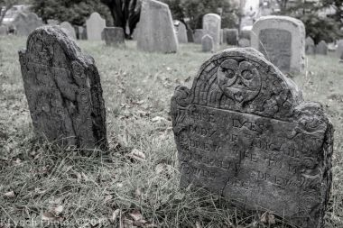 Graves_BlackWhite_64